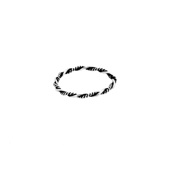 anillo enredado negro en plata de ley 925