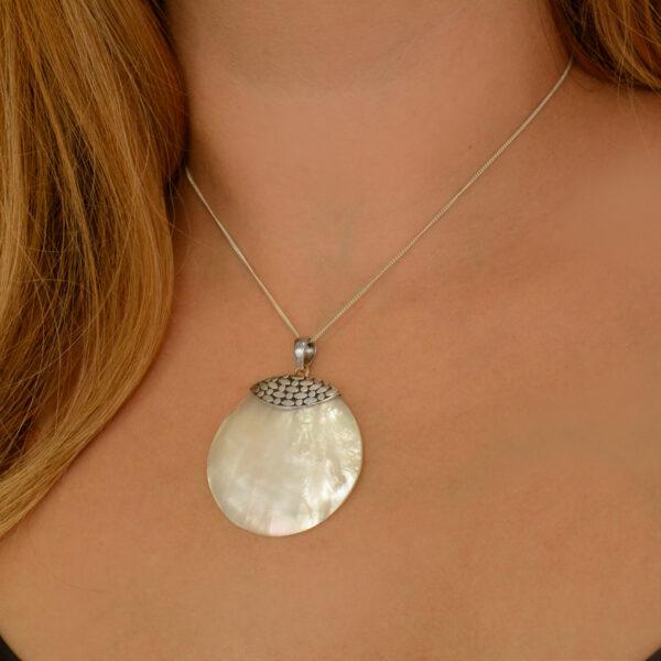 modelo colgante de plata
